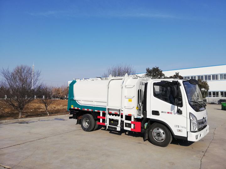 东风国六 7方侧装挂桶垃圾车QTH5046ZZZ
