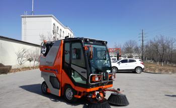 多功能扫路机QTH8502